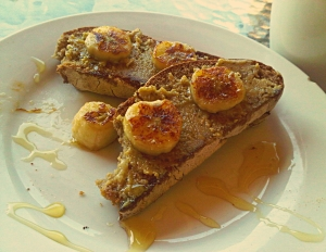 Healthy Snack: Gluten Free Bread with Caramelized Banana and Macadamia Nut Butter