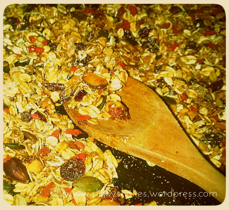 Superfood Crunch Muesli Granola with Herbalife Personal Protein Powder